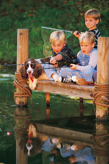 kids_fishing_from_dock