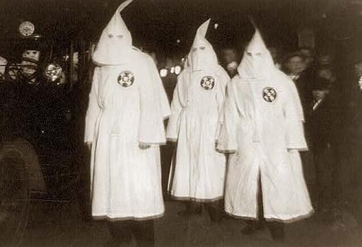 http://maaadddog.files.wordpress.com/2009/05/ku-klux-klan.jpg