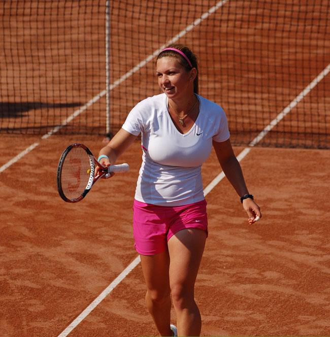 Simona Halep Brust